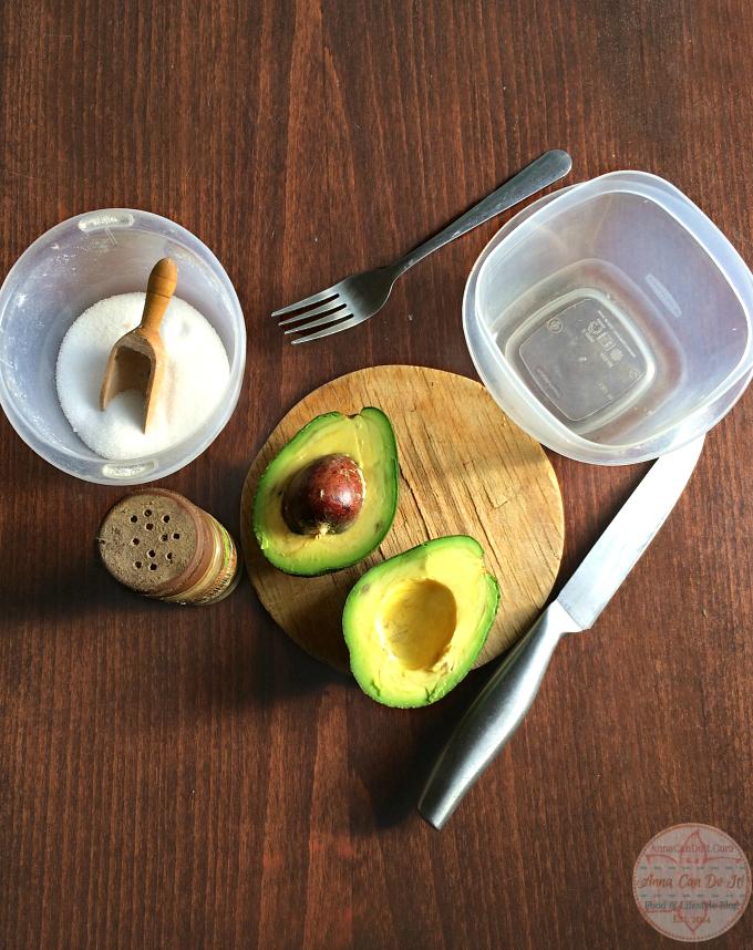 Healthy Snacks - Anna Can Do It! - Simple Guacamole